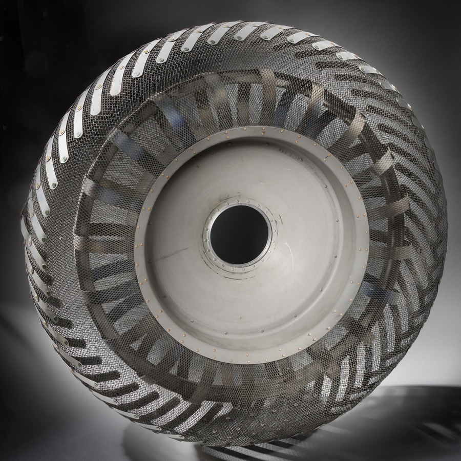 Steel wire and aluminum Lunar Rover wheel
