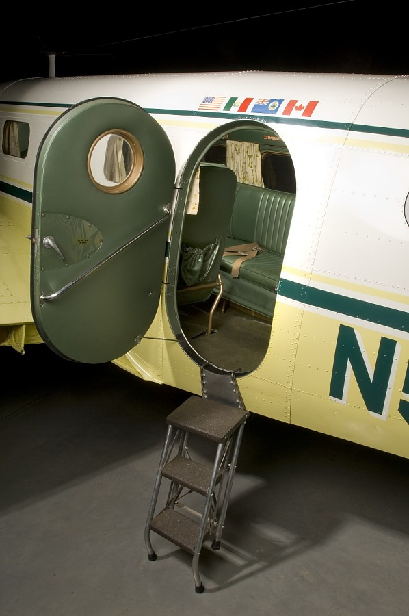 Beechcraft D18S Twin Beech