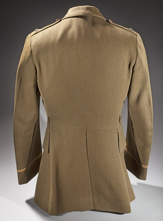 Back of United States Army Air Corps Service Officer Coat on clothing form