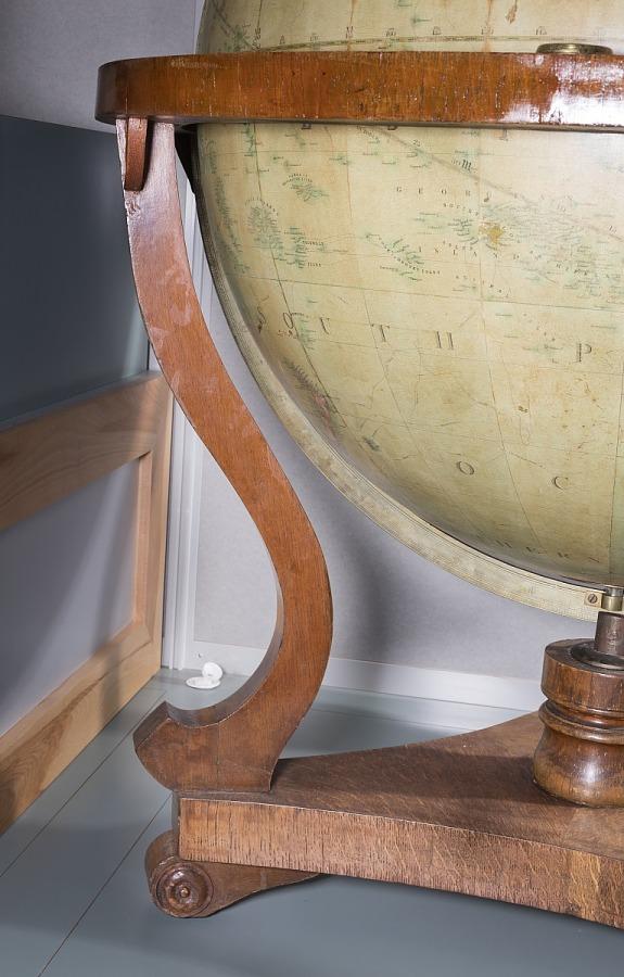 Stand, Pan-Am Globe, Juan Trippe