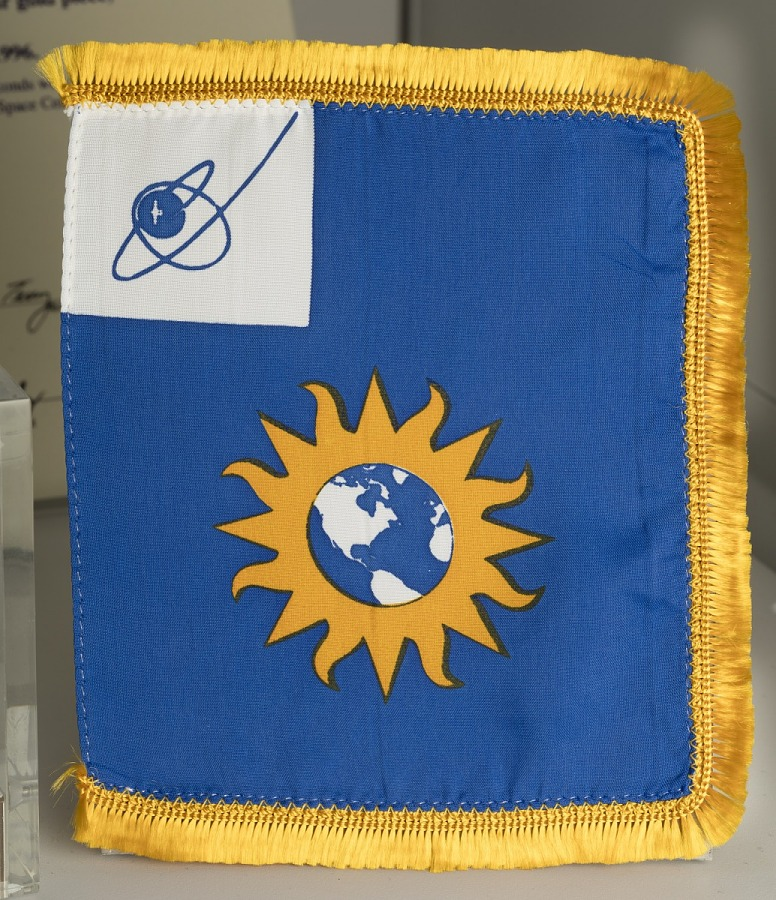 Flag, National Air and Space Museum, STS 41-D and STS-110