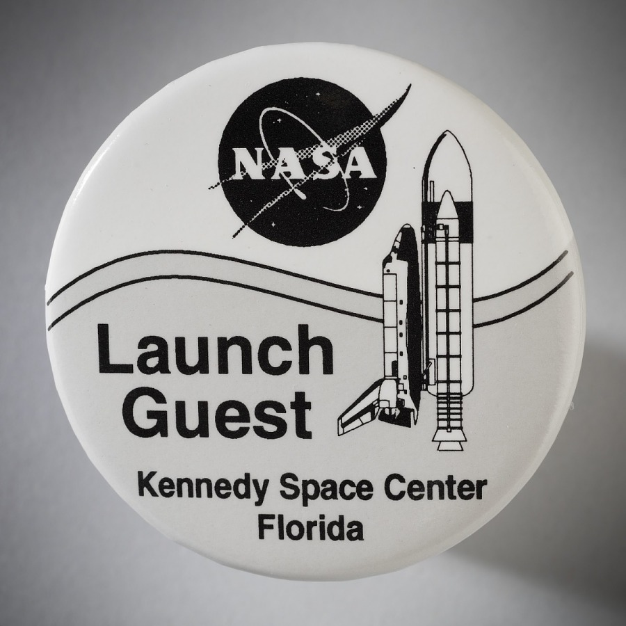 Button, Space Shuttle, STS-93, 'Launch Guest'