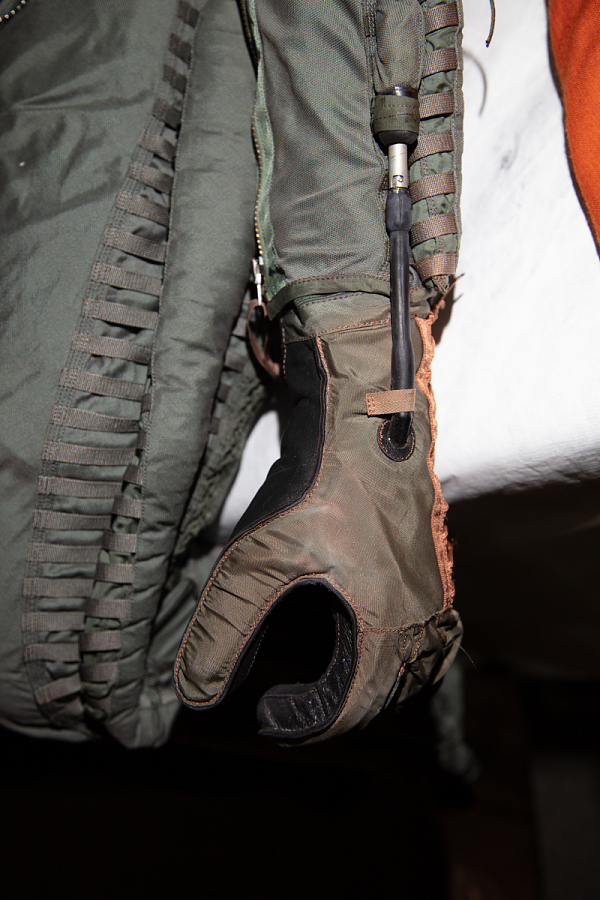 Gloves, Partial Pressure, Type MC-3A, US Air Force, Francis Gary Powers