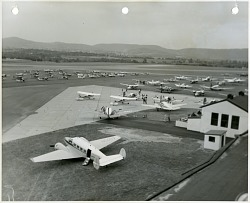 Reading Air Show (Reading, PA, 1939-1980). [photograph]