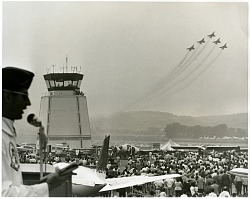 Reading Air Show (Reading, PA, 1939-1980): Military, USA, Air Force, Aerial Demonstration Teams, Thunderbirds. [photograph]