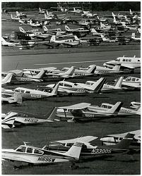 Reading Air Show (Reading, PA, 1939-1980); Beech Bonanza G33; Piper PA-28 Cherokee Family; Piper PA-24 Comanche; Cessna 182 Skylane Family; Cessna 150H; Cessna 172F Skyhawk. [photograph]