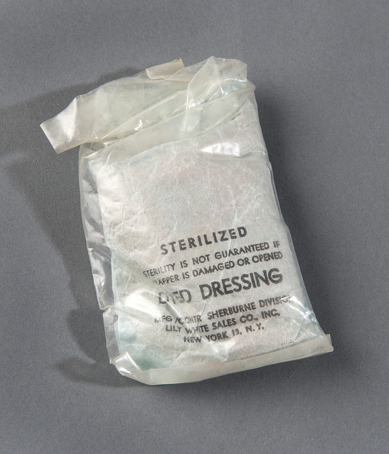 Vest, Survival, Sterilized Dyed Dressing, United States Air Force