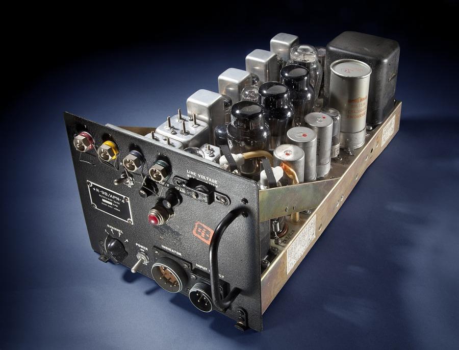 Receiver, LORAN, R-9B/APN-4