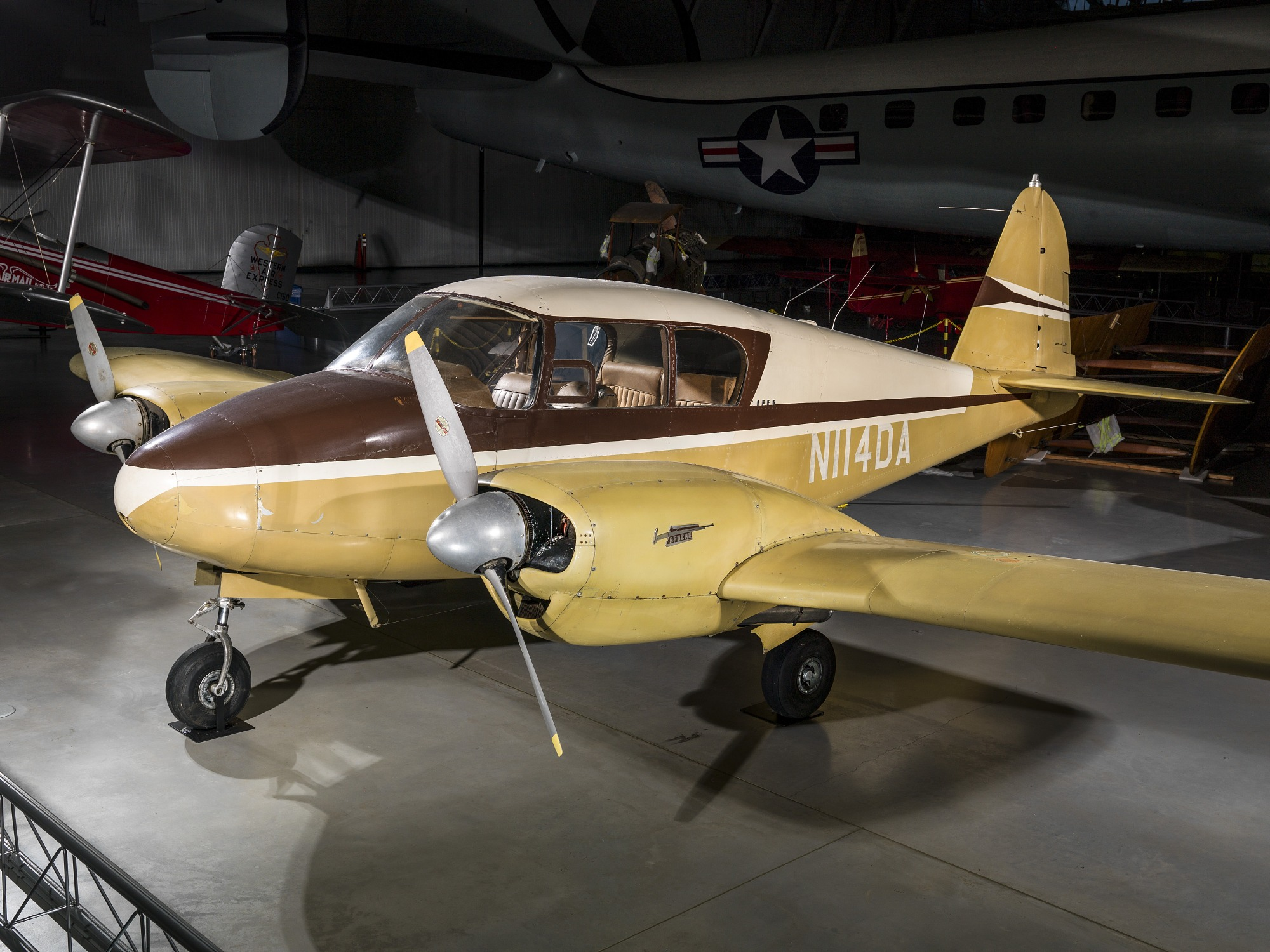 Piper PA-23 Apache | National Air and Space Museum