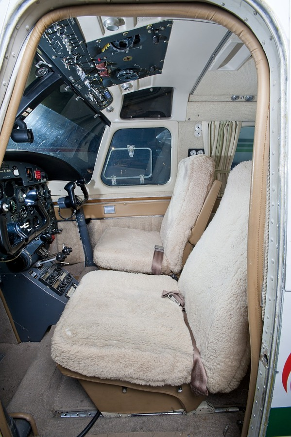 North American Rockwell Shrike Commander 500S, Robert A. 'Bob' Hoover