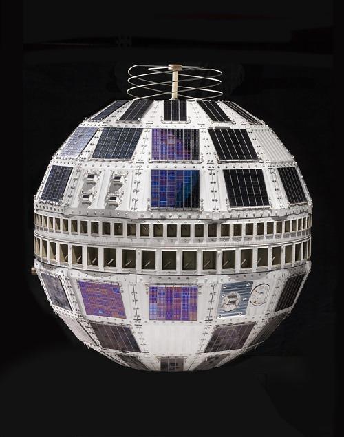 Communications Satellite, Telstar