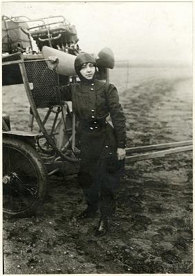 Dutrieu, HTlFne; Santos-Dumont Demoiselle Type Ground Trainer (Penguin). [photograph]