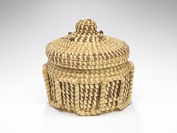 Coiled sweetgrass basket sewn by Sue Middleton