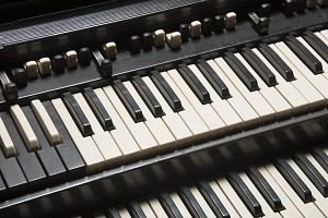 images for Hammond B-3 organ owned by James Brown-thumbnail 4