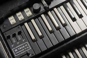 images for Hammond B-3 organ owned by James Brown-thumbnail 5