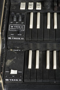 images for Hammond B-3 organ owned by James Brown-thumbnail 6