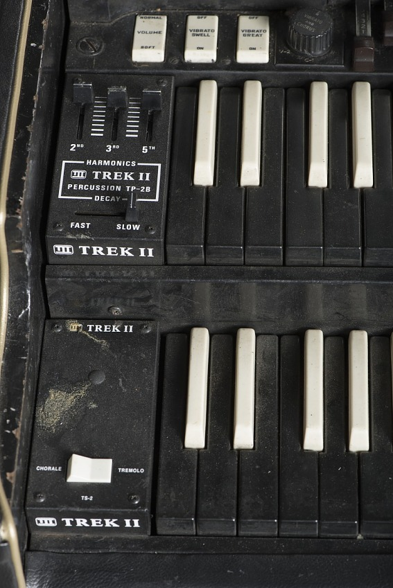 Hammond B-3 organ owned by James Brown