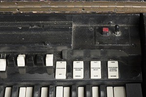 images for Hammond B-3 organ owned by James Brown-thumbnail 7