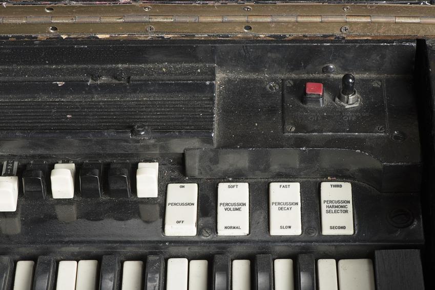 Hammond B-3 organ owned by James Brown