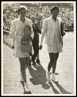 <I>Christine Truman Beats Althea Gibson in Wightman Cup</I>