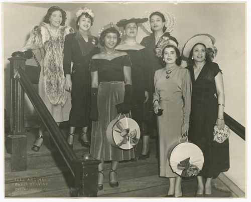 Image for Photograph of Mae Reeves and a group of women standing on stairs