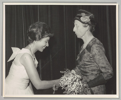 Photo of Mattiwilda Dobbs and Swedish Queen consort Louise