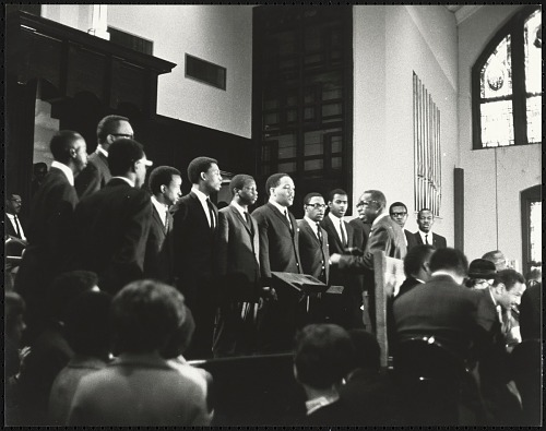 Image for Rev. E.W. Lumpkin conducts the Interdenominational Theological Center male chorus