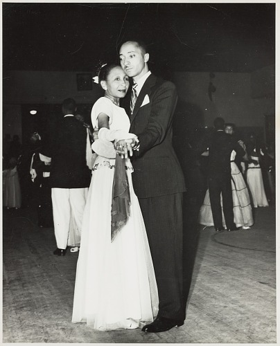 Image for Indoor portrait of a couple dancing