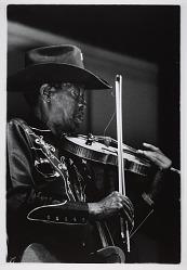 """Clarence """"Gatemouth"""" Brown, 1995"""