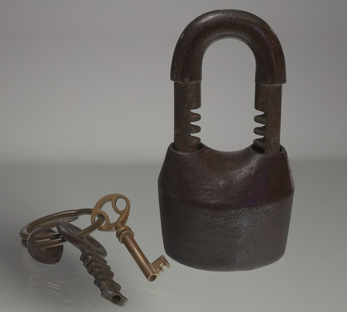 Image for Iron lock and set of keys owned by members of the Ellis family