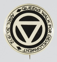 Pinback button for the Queens Walk for Development
