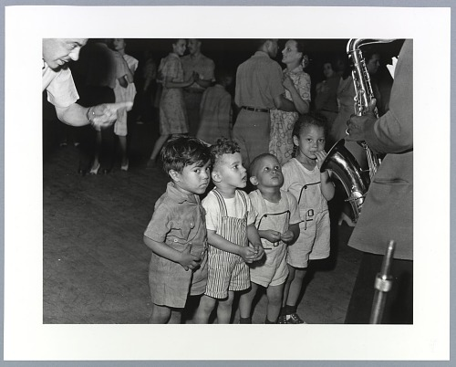 Image for Photographic print of children watching a saxophone player
