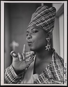 """images for Photograph of Queen Latifah during the filming of """"Fly Girl"""" video-thumbnail 1"""