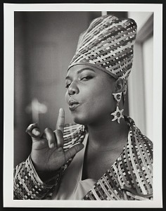 """images for Photograph of Queen Latifah during the filming of """"Fly Girl"""" video-thumbnail 9"""