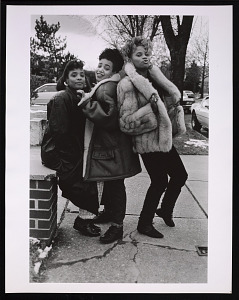 images for Photographic print of Salt-N-Pepa outside Bayside Studios-thumbnail 1