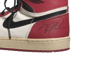 images for Pair of Air Jordan I shoes game worn and autographed by Michael Jordan-thumbnail 2