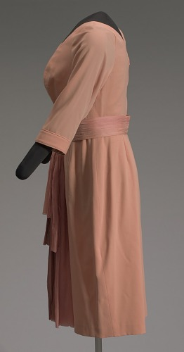 Image for Peach dress and belt worn by Oprah Winfrey on The Oprah Winfrey Show