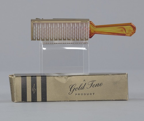 Image for Plastic brush with box from Mae's Millinery Shop