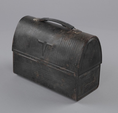Image for Metal lunchbox used by oysterman Ira Wright