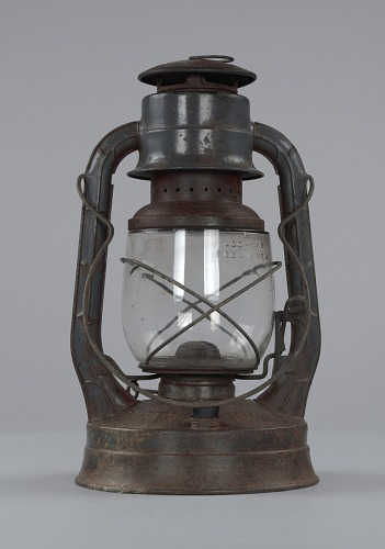 Image for Oil lantern used by oysterman Ira Wright