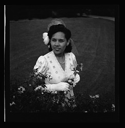 [African American woman] RSS WW II Army/War Scenes [on envelope: negative misfiled?] [cellulose acetate photonegative]