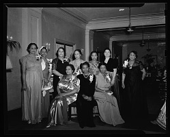 [African American women] [black-and-white cellulose acetate photonegative]