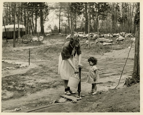 Fetching water, Ryder Mobile Home Park, Connecticut, 1939