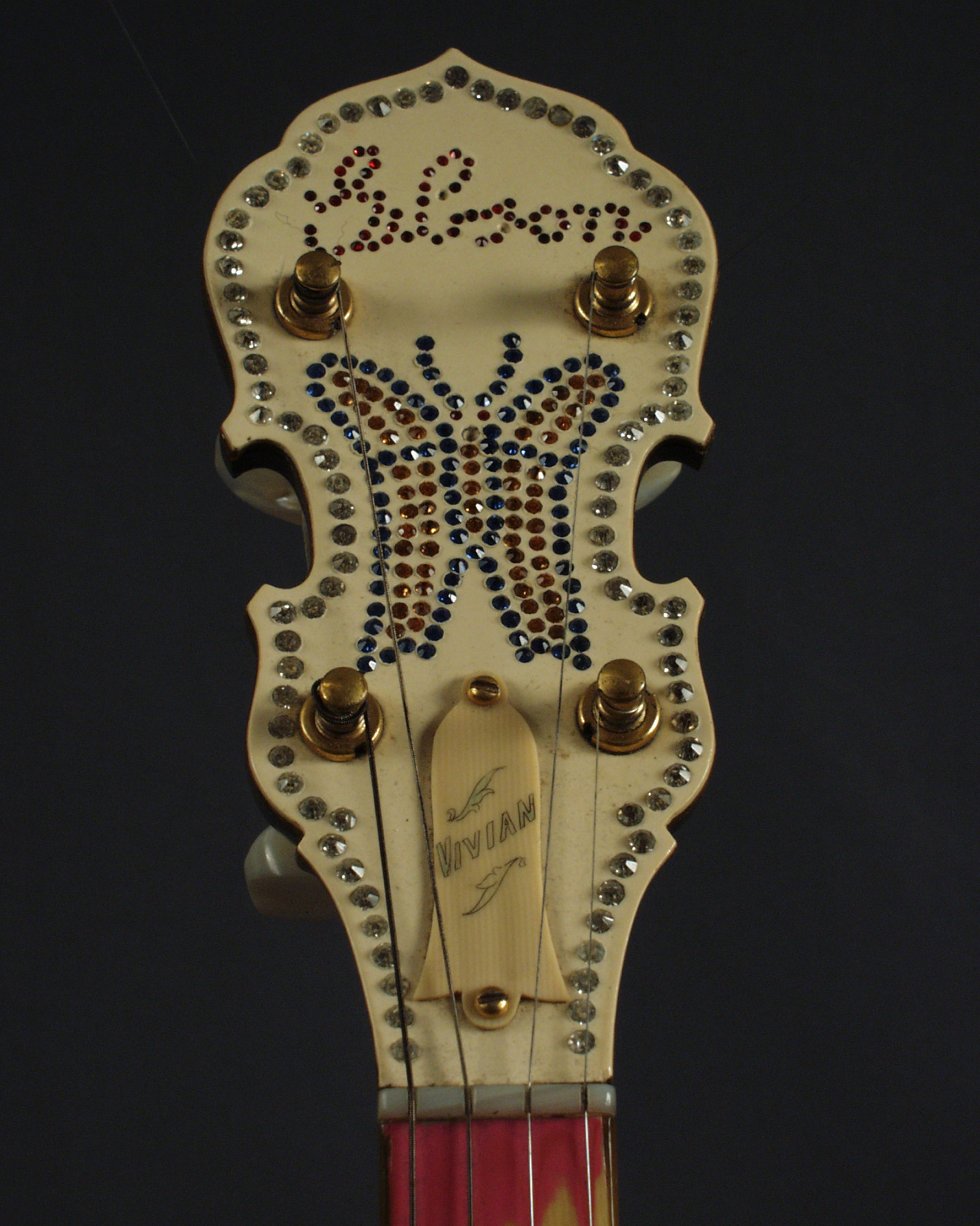 Vivian Hayes' Gibson Tenor Banjo - Image version 2