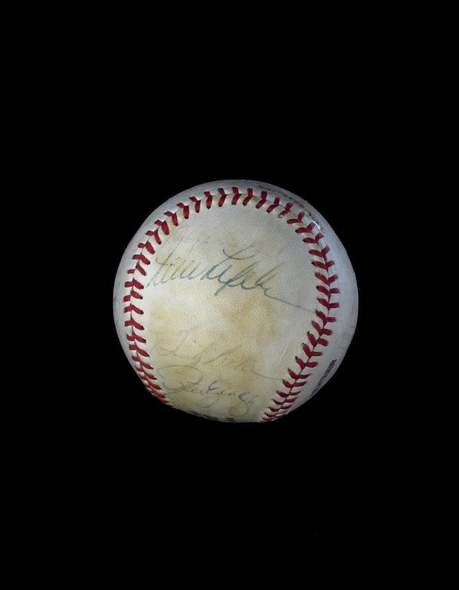 Baseball, signed by the 1979 Los Angeles Dodgers