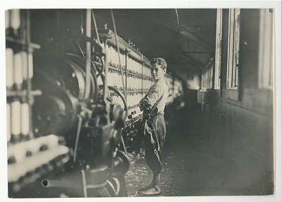 Worker in Cotton Mill, Rhode Island, 1909