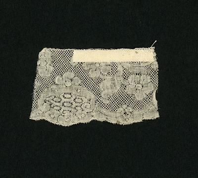 Binche bobbin lace border