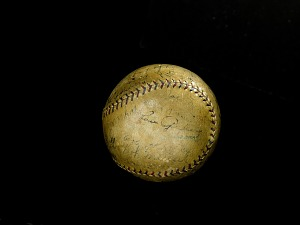 images for 1926 New York Yankees Autographed Baseball-thumbnail 2