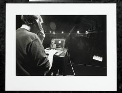 Steve Jobs preparing presentation at MacWorld Expo