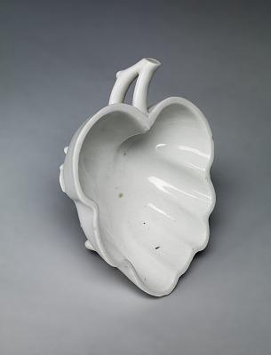 Meissen Böttger porcelain leaf dish